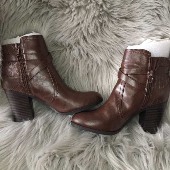 Unisa Shoes Payta Brown Leather Booties New Poshmark
